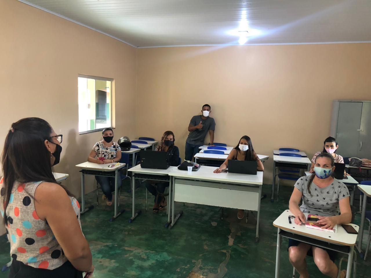 Rede Municipal de Ensino de Couto Magalhães realiza formação para servidores